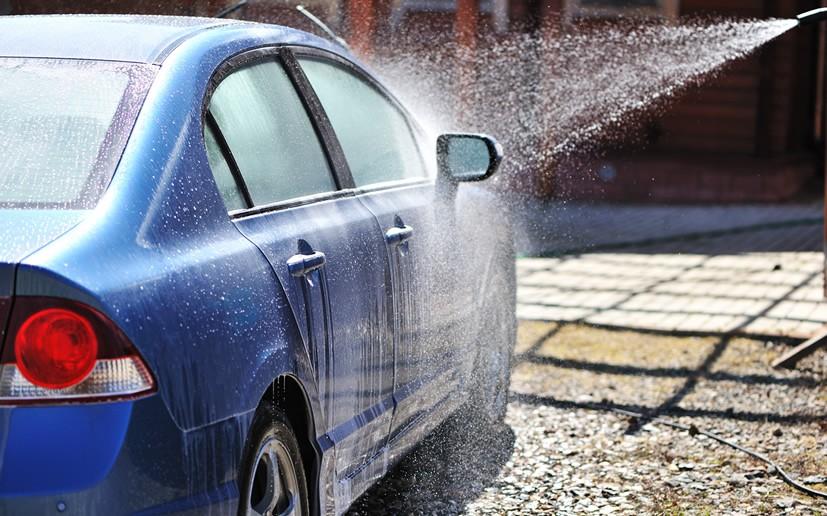 Astuces pour bien laver sa voiture