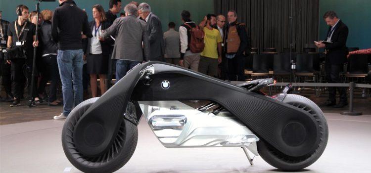 BMW a publié à Los Angeles son prochain BMW Vison next 100, une moto moderne vraiment impressionnante