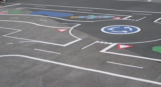 Code la route : maîtrisez-vous les marquages au sol ?