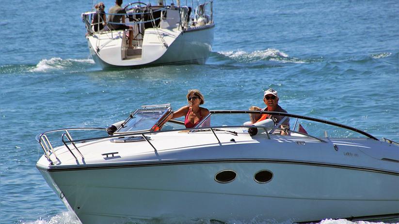 Naviguer avec un permis bateau, lequel ?